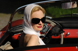 SD_Woman-Driving-Convertible-21
